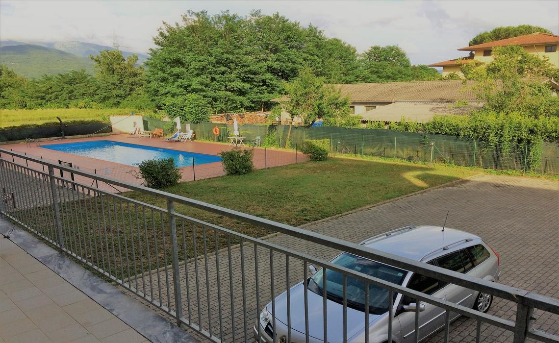 MASSA CARRARA recentissimo in residence con piscina
